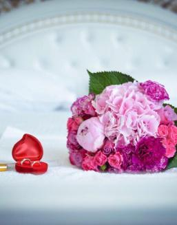 Pink wine | Delivery and order flowers in Karaganda
