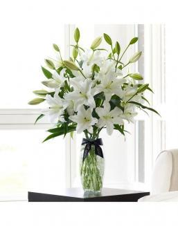 Bouquet of a lilies 51 and 101 pieces | 101 roses,lilies expensive