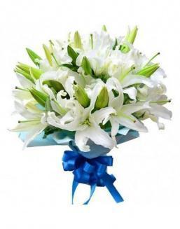 Bouquet of 15 white lilies | Delivery and order flowers in Karaganda